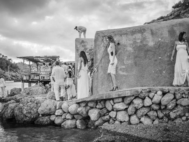 La boda de Martín y Elena en Portinatx, Islas Baleares 21