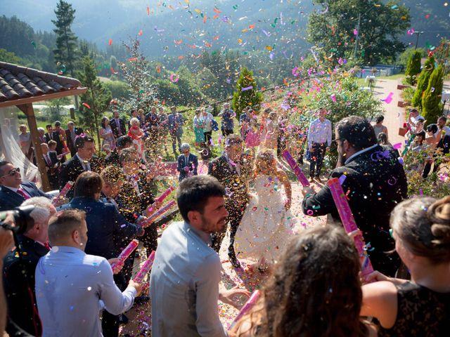 La boda de Sergio y Esther en Otxandio, Vizcaya 23