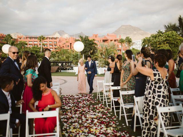 La boda de Juan Carlos  y Abigail en La Caleta (Adeje), Santa Cruz de Tenerife 12