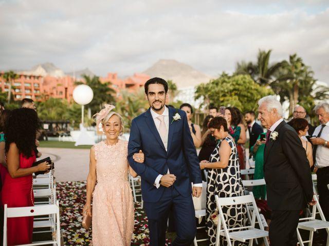 La boda de Juan Carlos  y Abigail en La Caleta (Adeje), Santa Cruz de Tenerife 13