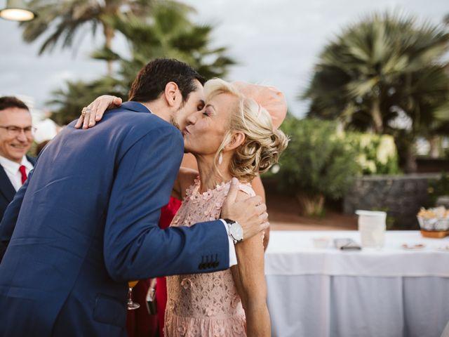 La boda de Juan Carlos  y Abigail en La Caleta (Adeje), Santa Cruz de Tenerife 23