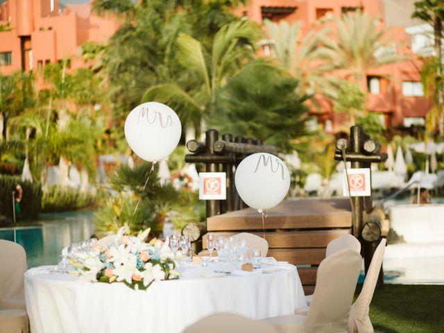 La boda de Juan Carlos  y Abigail en La Caleta (Adeje), Santa Cruz de Tenerife 33