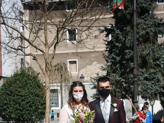 La boda de Aritz y Sarai en Ugao-miraballes, Vizcaya 24