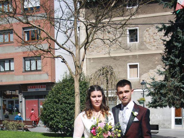 La boda de Aritz y Sarai en Ugao-miraballes, Vizcaya 25