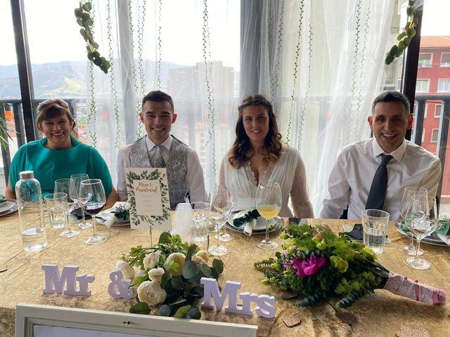 La boda de Aritz y Sarai en Ugao-miraballes, Vizcaya 38