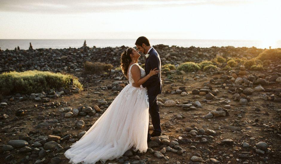 La boda de Juan Carlos  y Abigail en La Caleta (Adeje), Santa Cruz de Tenerife