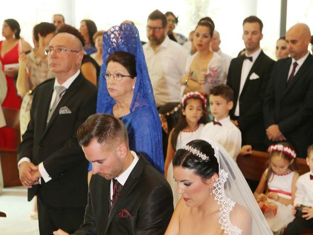 La boda de Manuel y Carolina en Utrera, Sevilla 15