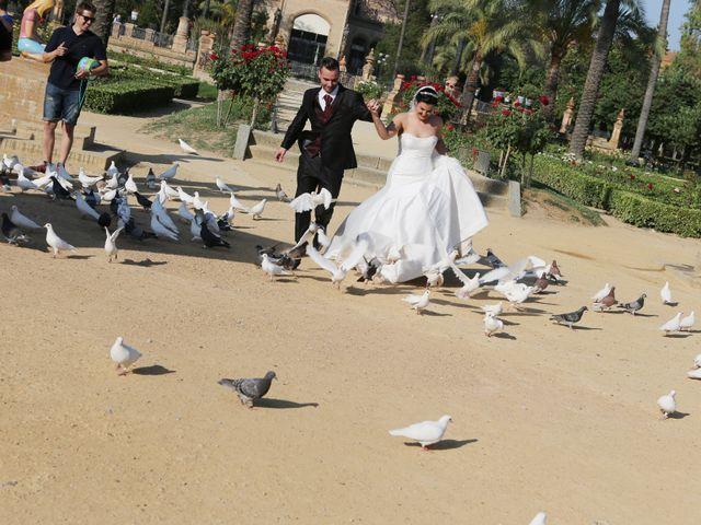 La boda de Manuel y Carolina en Utrera, Sevilla 20