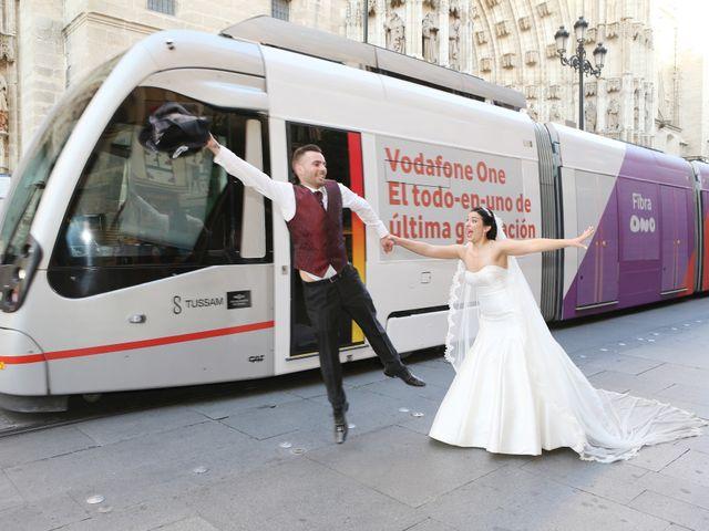 La boda de Manuel y Carolina en Utrera, Sevilla 24