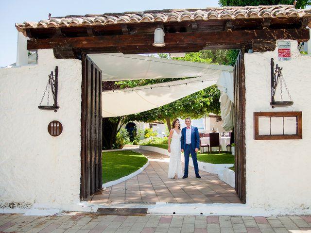 La boda de Roberto y Virginia en El Pinar De Antequera, Valladolid 1