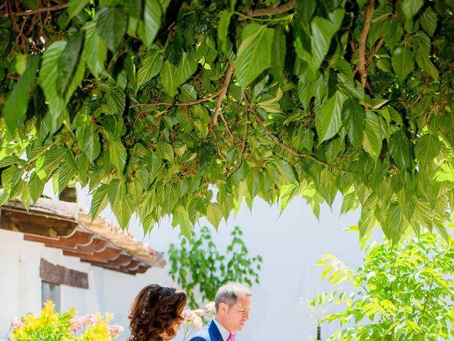 La boda de Roberto y Virginia en El Pinar De Antequera, Valladolid 4