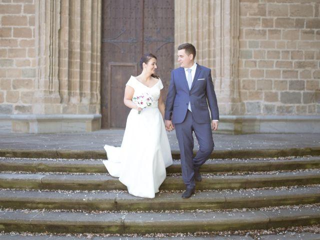 La boda de Borja y Adriana en Gorraiz, Navarra 16