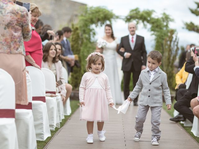 La boda de Borja y Adriana en Gorraiz, Navarra 19