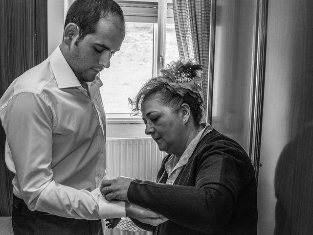La boda de Javier y Leticia en Casarejos, Soria 11