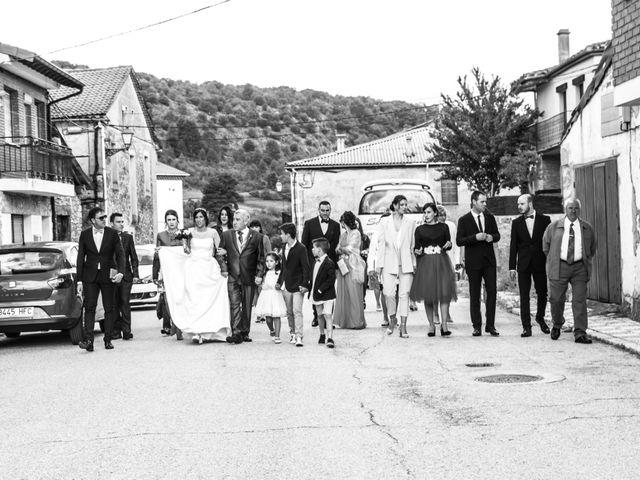La boda de Javier y Leticia en Casarejos, Soria 14