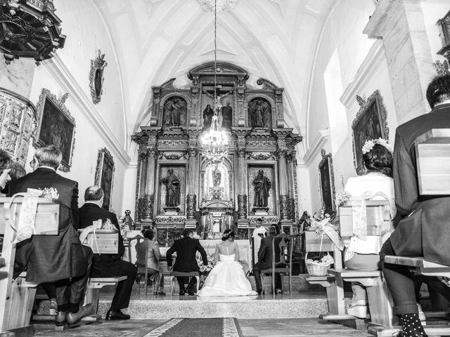 La boda de Javier y Leticia en Casarejos, Soria 25