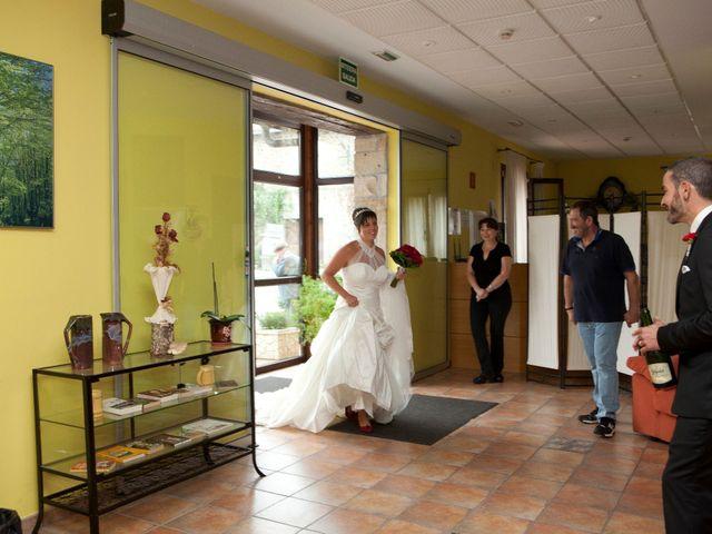 La boda de Miguel Ángel  y Beatriz en Vitoria-gasteiz, Álava 29