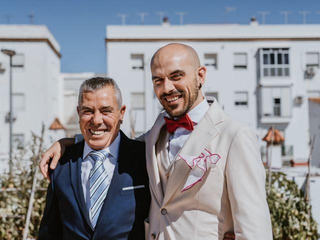 La boda de Juan Carlos y Azahara en El Puerto De Santa Maria, Cádiz 14