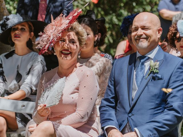 La boda de Juan Carlos y Azahara en El Puerto De Santa Maria, Cádiz 23