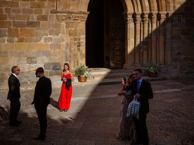 La boda de Rebeca y Davide en Zaragoza, Zaragoza 15