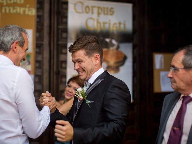 La boda de Roberto y Mari Carmen en Illescas, Toledo 16