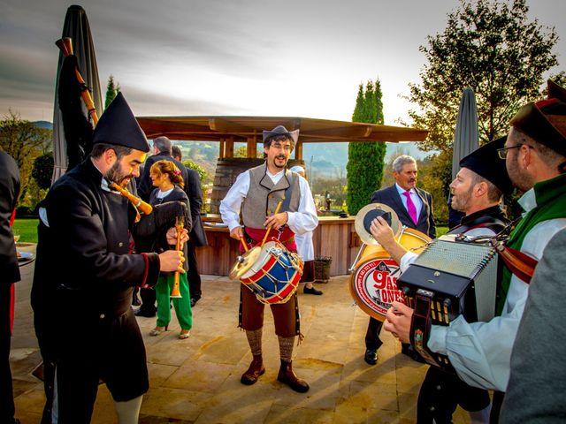 La boda de Javi y Patri en Oviedo, Asturias 25