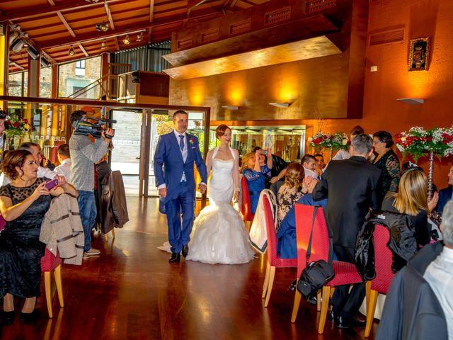 La boda de Javi y Patri en Oviedo, Asturias 28