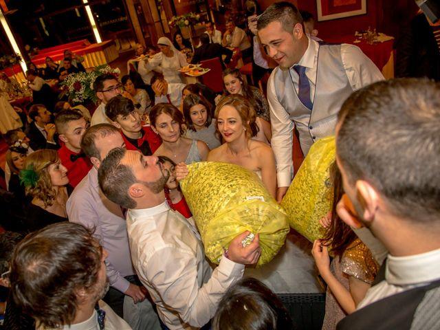 La boda de Javi y Patri en Oviedo, Asturias 33