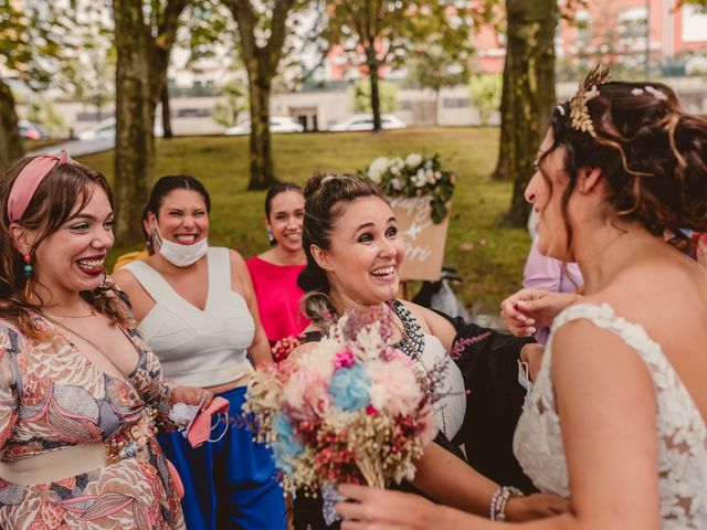 La boda de Oihane y Julieta en Lasarte, Guipúzcoa 63
