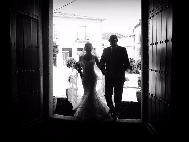 La boda de Abel y Teresa en Zarza De Granadilla, Cáceres 39