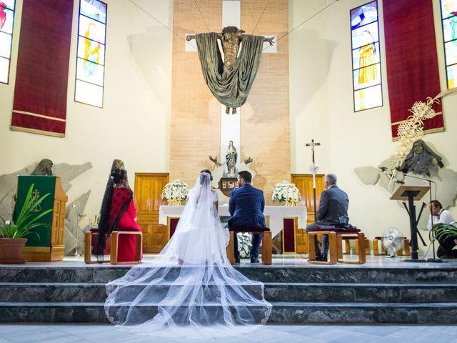 La boda de Carlos y Elena en Gerena, Sevilla 31