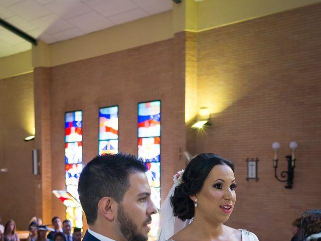 La boda de Carlos y Elena en Gerena, Sevilla 32