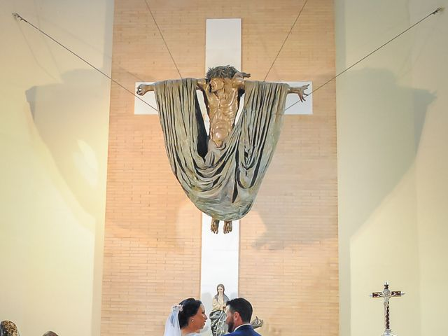 La boda de Carlos y Elena en Gerena, Sevilla 34