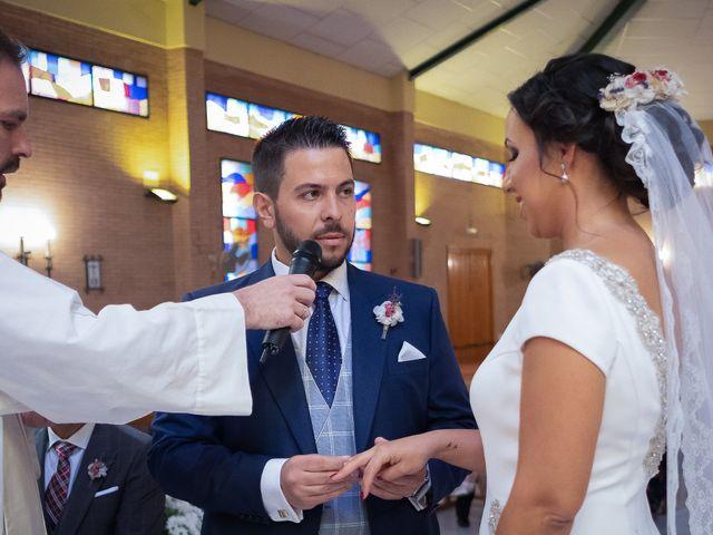 La boda de Carlos y Elena en Gerena, Sevilla 36