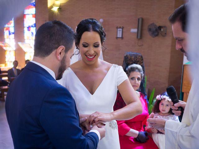 La boda de Carlos y Elena en Gerena, Sevilla 37