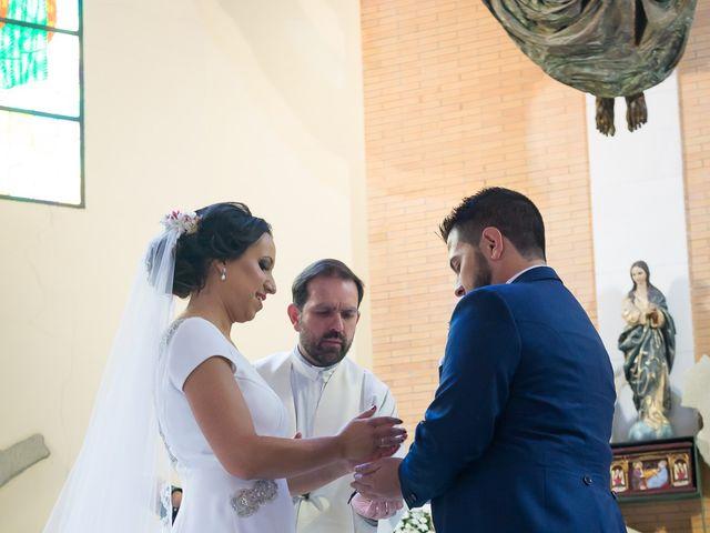 La boda de Carlos y Elena en Gerena, Sevilla 38
