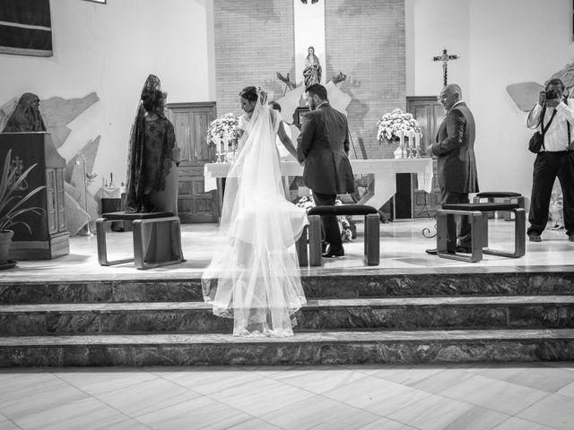 La boda de Carlos y Elena en Gerena, Sevilla 40