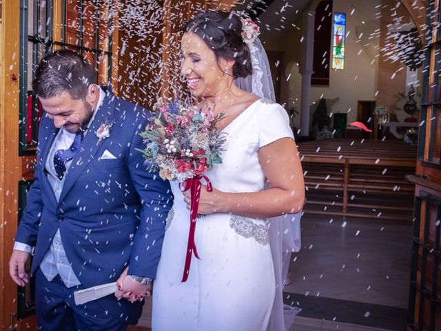 La boda de Carlos y Elena en Gerena, Sevilla 44