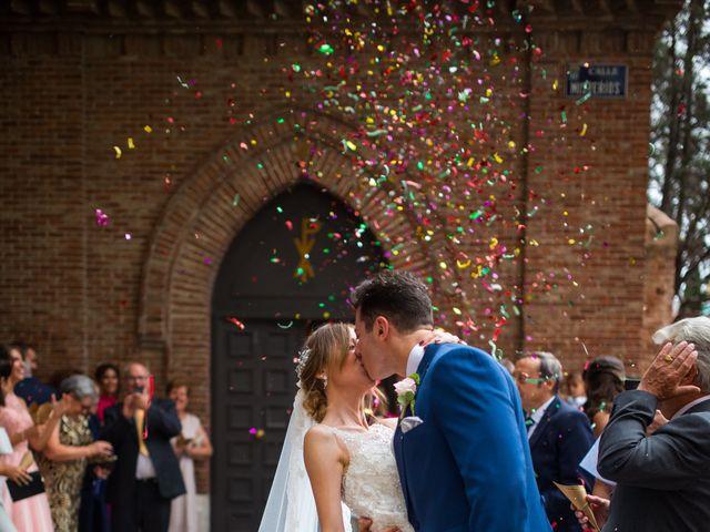 La boda de David y Verónica  en Madrid, Madrid 15