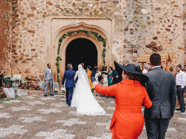 La boda de Ismael y Almudena en Jerez De Los Caballeros, Badajoz 56