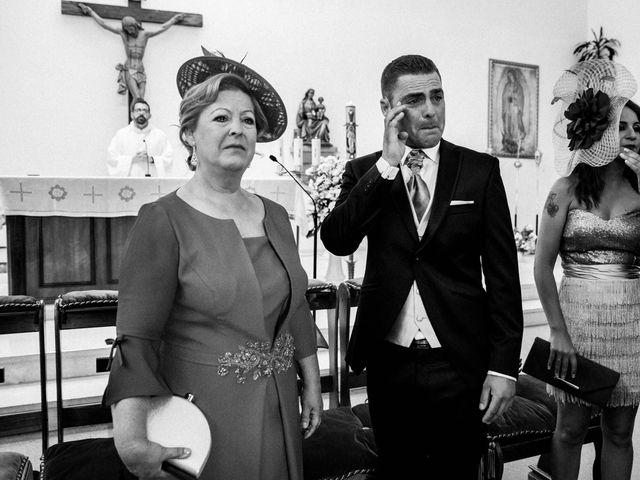 La boda de Alfredo y Ana Mari en Los Barrios, Cádiz 13