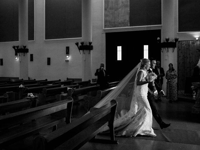 La boda de Alfredo y Ana Mari en Los Barrios, Cádiz 14
