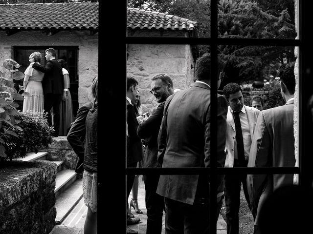 La boda de Stuart y Sonia en Celanova, Orense 18