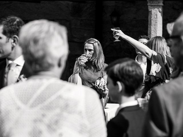 La boda de Stuart y Sonia en Celanova, Orense 21