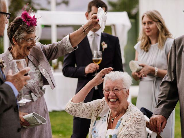 La boda de Stuart y Sonia en Celanova, Orense 43