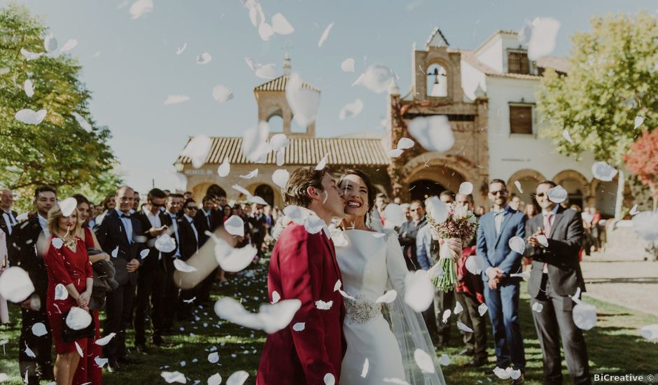 La boda de Manuel y María en Trujillo, Cáceres