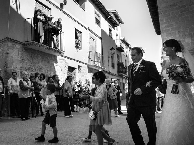 La boda de Héctor y Sandra en Torrecilla De Alcañiz, Teruel 32