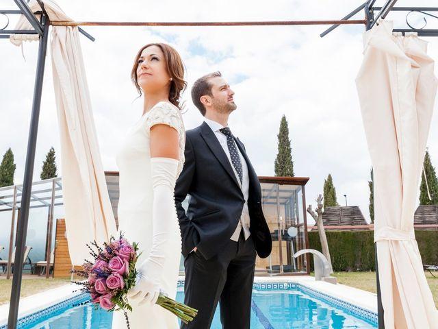 La boda de Fernando y Elena en Ballesteros De Calatrava, Ciudad Real 33