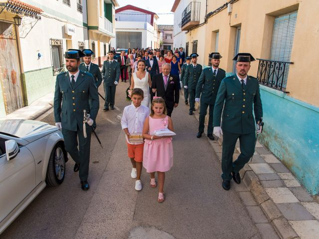 La boda de Victor y Oti en Abengibre, Albacete 11