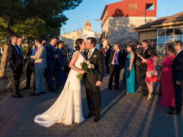 La boda de Victor y Oti en Abengibre, Albacete 24